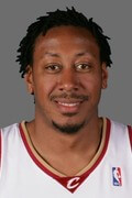 Photo of Donyell Marshall 1998-99 Splits