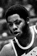 Photo of Jim McMillian 1977-78 Game Log