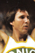 Photo of Dick Snyder 1977-78 Game Log